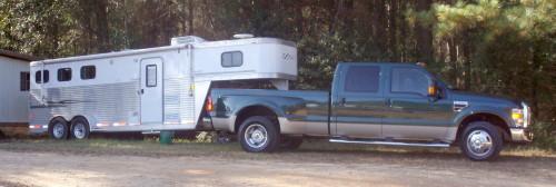 Dakota Spirit and Chilletecaux have a new horse trailer.